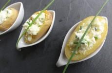 pommes-de-terre-farcies-a-la-ciboulette-et-fromage