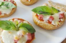 bagels-facon-pizza