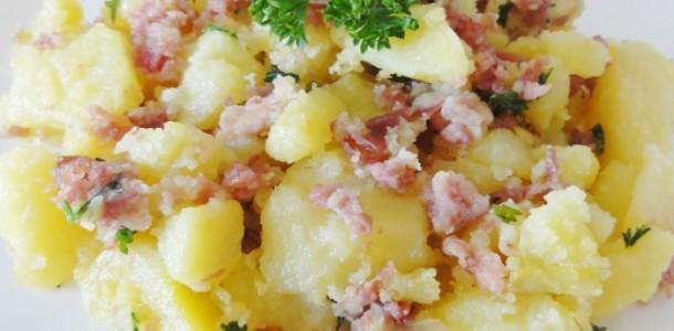 recette pommes de terre la lyonnaise aux fourneaux. Black Bedroom Furniture Sets. Home Design Ideas