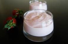 Yaourt aux fraises au lait végétal