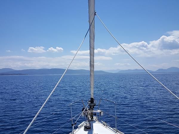 Faire du bateau en Grèce