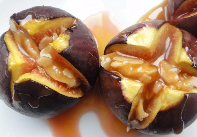 Figues sauce caramel au beurre salé et ses amandes