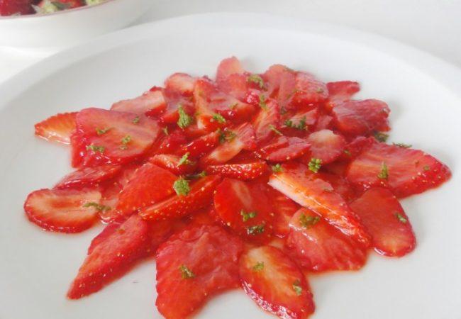 Carpaccio de fraises et basilic
