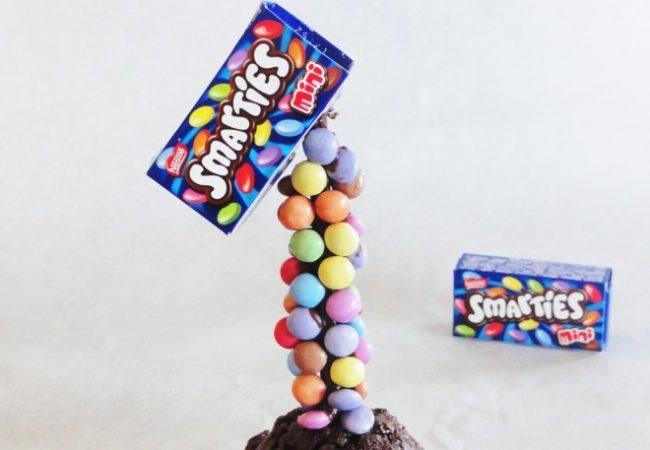 Gravity cupcakes smarties
