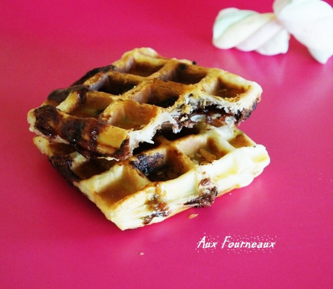 gaufre feuillet e au nutella aux fourneaux. Black Bedroom Furniture Sets. Home Design Ideas