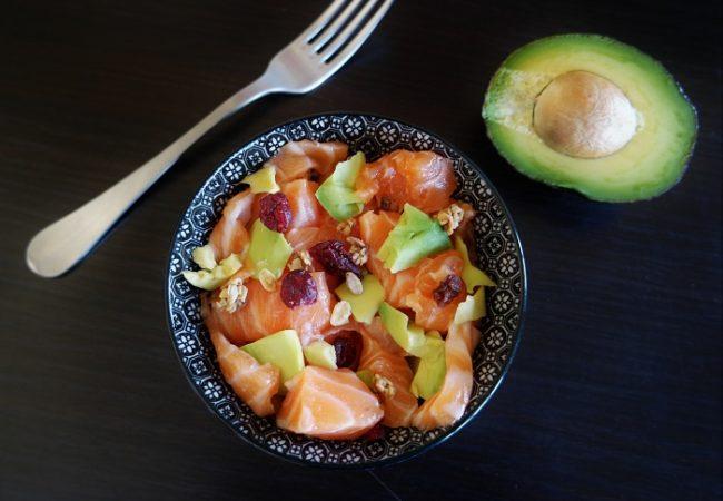 Salade santé avocat saumon grenade