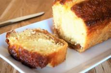 Recettes de cake aux fourneaux - Gateau au yaourt beurre ...