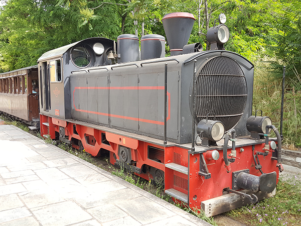 Moutzouris - Petit train à vapeur du mont Pelion