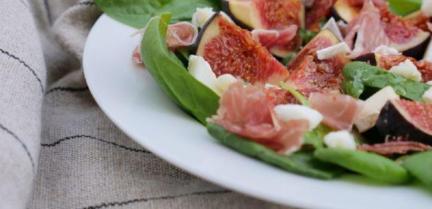 Salade de figues chèvre jambon cru