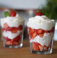 fraises à la crème chantilly