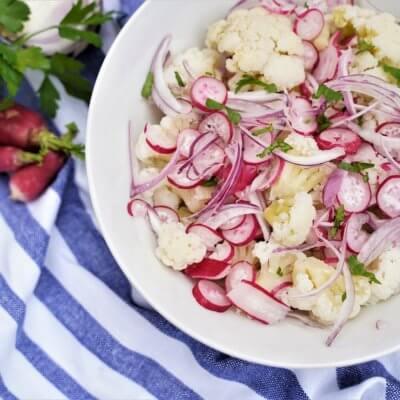 Salade de chou-fleur cuit aux radis