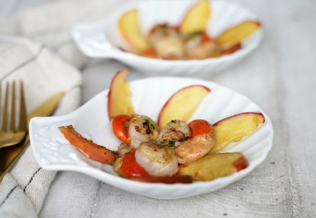 Noix de Saint-Jacques poêlées aux pommes